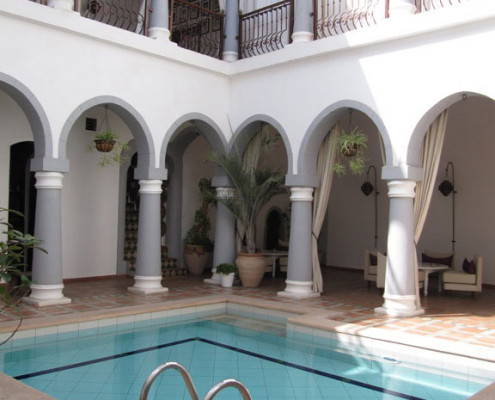 el-khan-hotel-swimming-pool-tripoli-libya